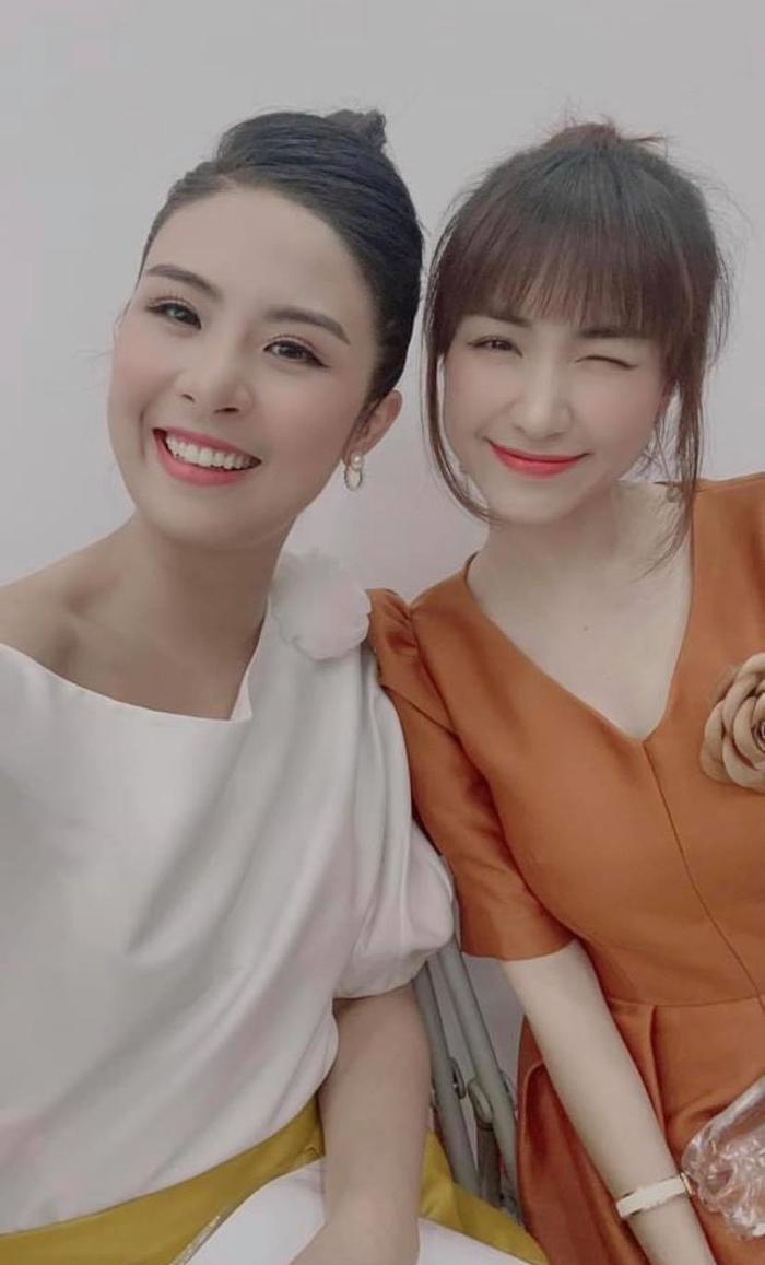 Hoa hậu Ngọc Hân mắc sai lầm trầm trọng khi đăng ảnh chụp cùng Hòa Minzy Ảnh 1