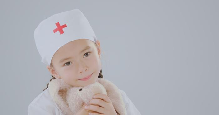 Đoan Trang và con gái song ca, tri ân 'những thiên thần áo trắng' ngày đêm chống dịch Ảnh 2