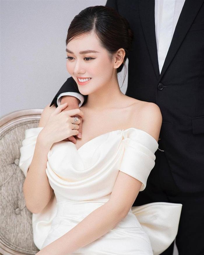 Đương kim Hoa hậu Quốc tế gửi lời chúc ngọt ngào đến Tường San khi kết hôn Ảnh 3