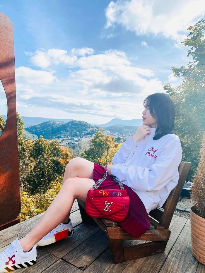 Quang Hải - Huỳnh Anh tiếp tục giữ vững danh hiệu 'cặp đôi khó hiểu', follow rồi lại unfollow liên miên Ảnh 3