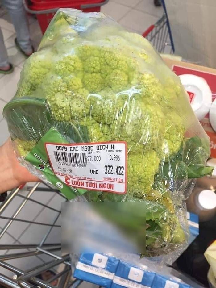 Bạn cùng phòng hào hứng đi chợ mua rau, nữ sinh ăn xong thì 'đứng hình' khi phát hiện ra giá cả thực sự Ảnh 1