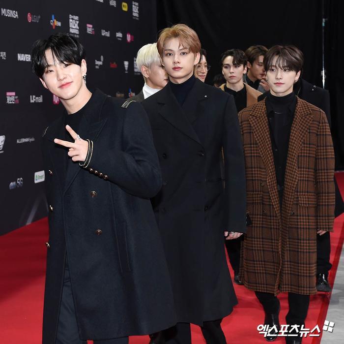 'MAMA 2020': Song Joong Ki rạng rỡ trên thảm đỏ cùng TWICE - GOT7, Jessi khoe vòng ba phản cảm Ảnh 19
