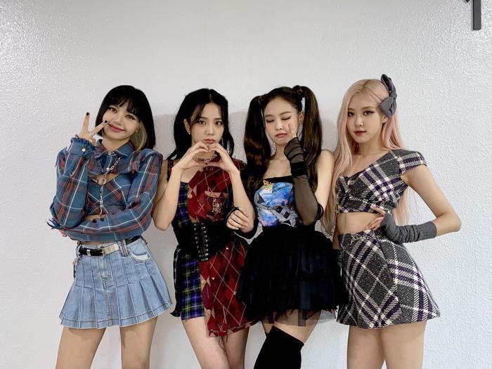 Báo Hàn đưa tin: BTS - Blackpink và Đen Vâu đứng đầu phát trực tuyến Việt Nam 2020, Knet nói gì? Ảnh 3