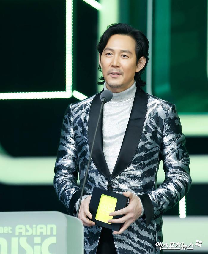 Tổng kết 'MAMA 2020': 3 sao Việt thắng giải lớn, BTS 'ẵm mỏi tay' 8 chiếc cúp! Ảnh 53