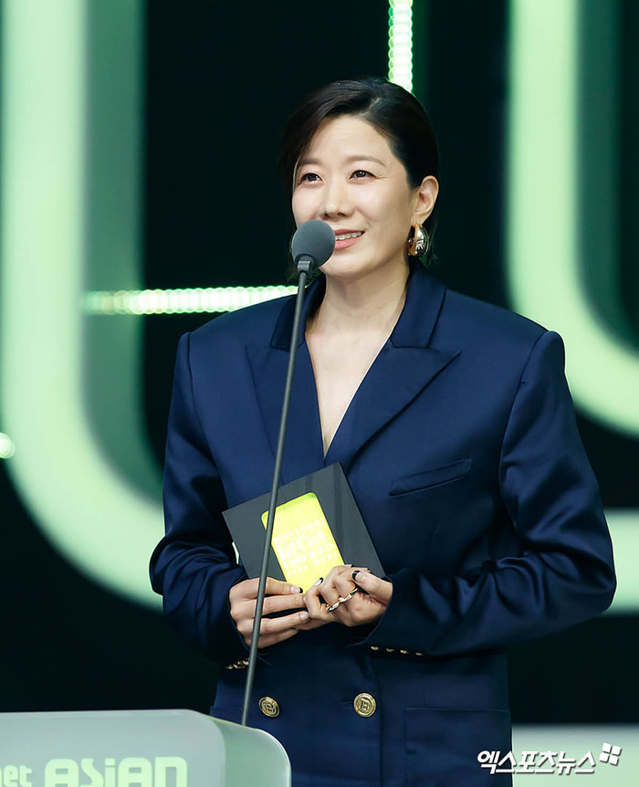 Tổng kết 'MAMA 2020': 3 sao Việt thắng giải lớn, BTS 'ẵm mỏi tay' 8 chiếc cúp! Ảnh 50