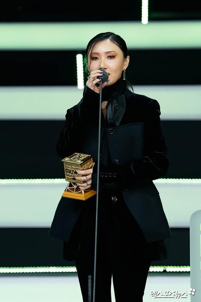 Tổng kết 'MAMA 2020': 3 sao Việt thắng giải lớn, BTS 'ẵm mỏi tay' 8 chiếc cúp! Ảnh 17