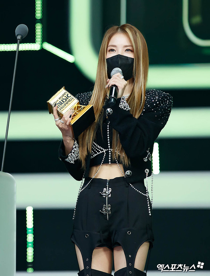 Tổng kết 'MAMA 2020': 3 sao Việt thắng giải lớn, BTS 'ẵm mỏi tay' 8 chiếc cúp! Ảnh 38