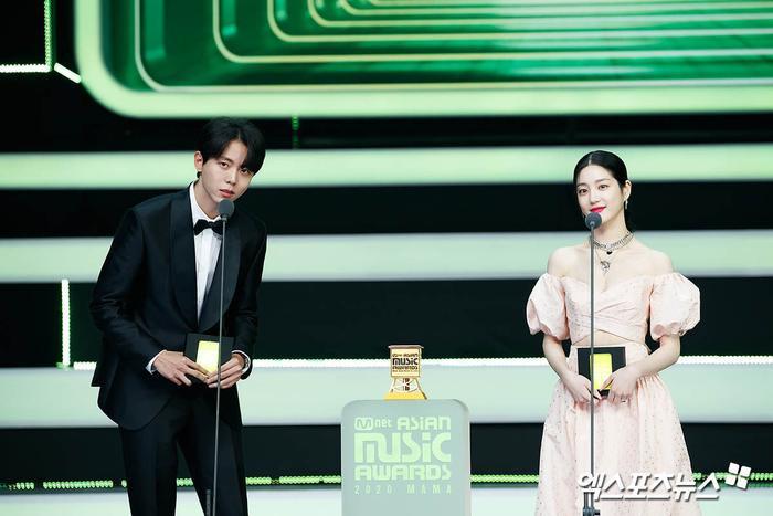 Tổng kết 'MAMA 2020': 3 sao Việt thắng giải lớn, BTS 'ẵm mỏi tay' 8 chiếc cúp! Ảnh 41
