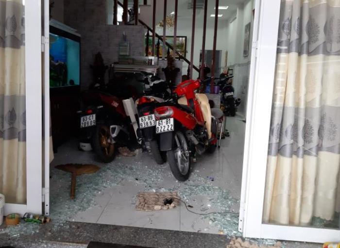 Nổ súng hỗn chiến trong đêm ở Tiền Giang, 1 người nguy kịch Ảnh 2