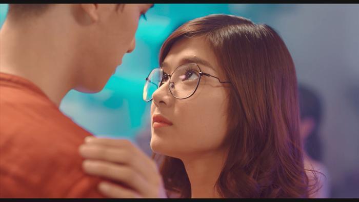 Trailer 'Người cần quên phải nhớ' lộ 'twist' to: Tình tay ba giữa Hoàng Yến Chibi, Trần Ngọc Vàng - Huyme Ảnh 16
