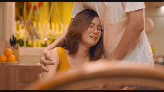 Trailer 'Người cần quên phải nhớ' lộ 'twist' to: Tình tay ba giữa Hoàng Yến Chibi, Trần Ngọc Vàng - Huyme Ảnh 19