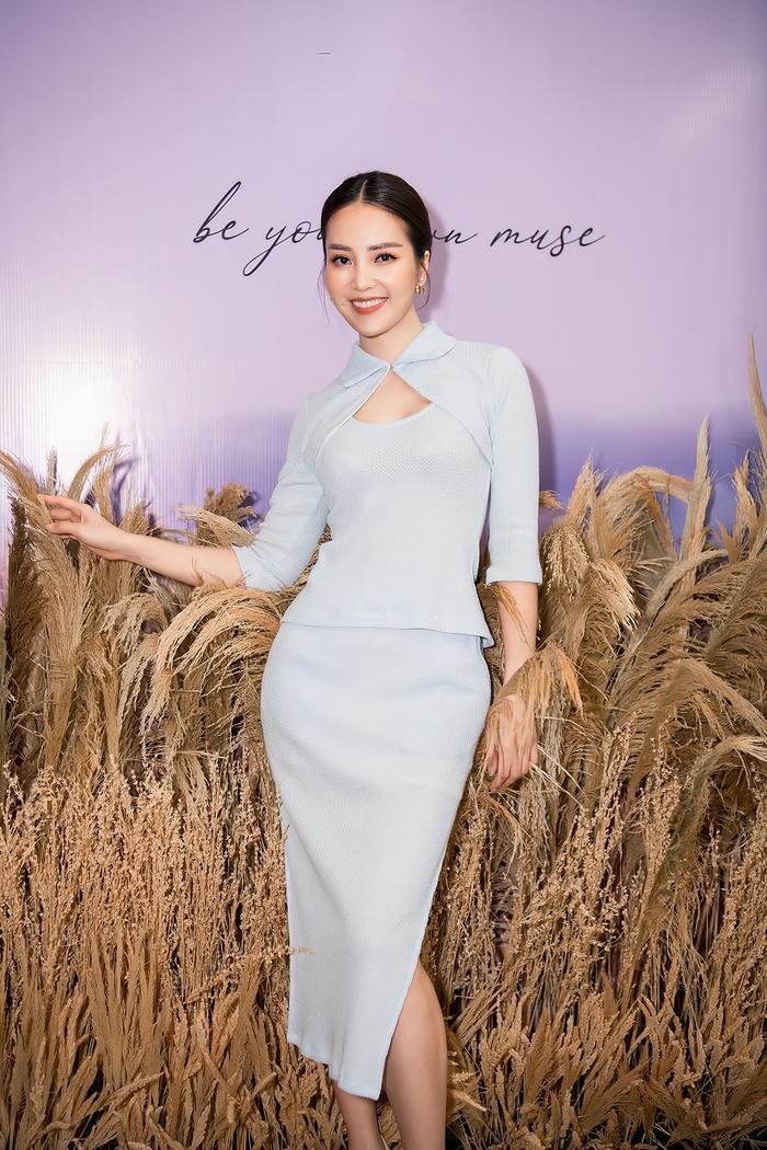 Siêu mẫu Trần Mạnh Khang, MC Phí Linh lên đồ thu đông sành điệu hội ngộ Quỳnh Chi Ảnh 9