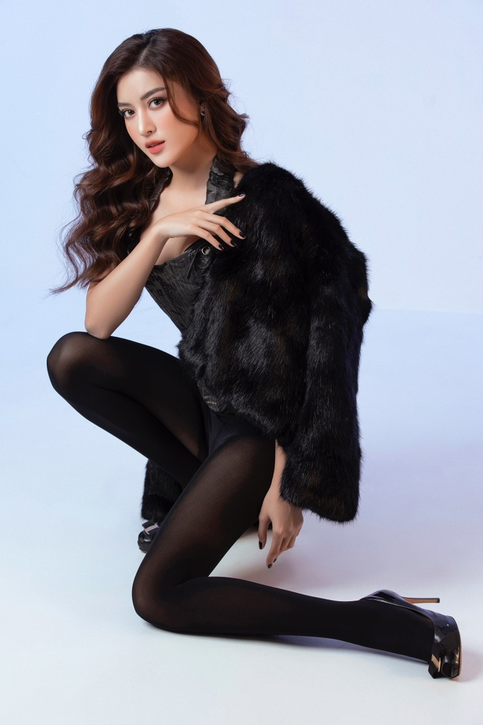Á hậu Huyền My mặc áo corset khoe dáng nóng bỏng trong bộ ảnh mừng sinh nhật Ảnh 2