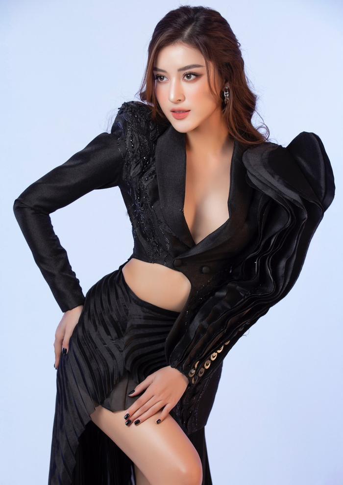 Á hậu Huyền My mặc áo corset khoe dáng nóng bỏng trong bộ ảnh mừng sinh nhật Ảnh 8