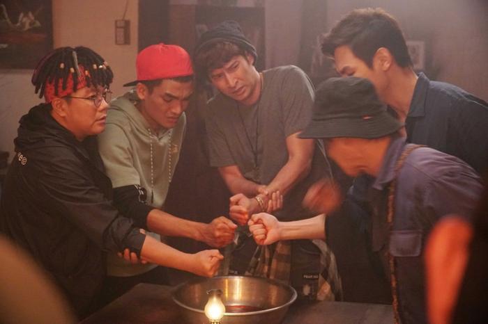 Những diễn viên đình đám trong 'Lật mặt': Từ cây hài Trường Giang, Mạc Văn Khoa, đến soái ca Song Luân Ảnh 16