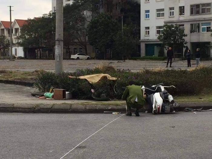 Hà Nội: Va chạm với xe buýt, nam thanh niên giao hàng tử vong thương tâm Ảnh 2