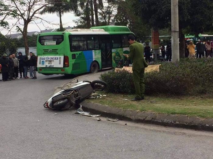 Hà Nội: Va chạm với xe buýt, nam thanh niên giao hàng tử vong thương tâm Ảnh 1