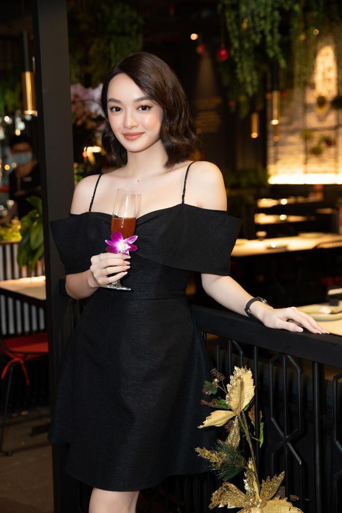 Jun Vũ đọ dáng 'bất phân thắng bại' cùng Kaity Nguyễn, lên tiếng về việc 'cạnh tranh ngầm' trong showbiz Ảnh 7