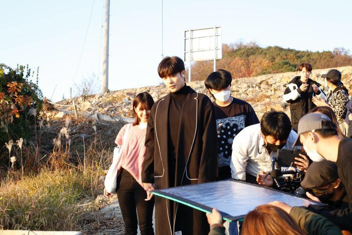 Dân mạng nói gì khi Hoàng Yến Chibi đóng cùng 'thánh hôn' Sung Hoon 'đẹp trai 6 múi'? Ảnh 5