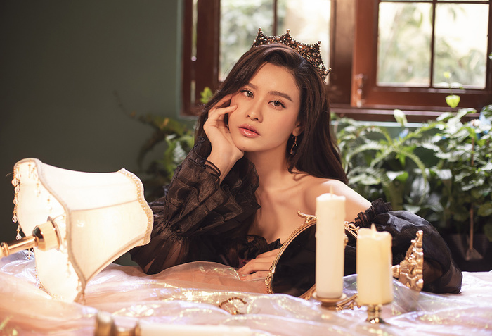 Trương Quỳnh Anh đẹp lạnh lùng băng giá, hoá nữ hoàng Tuyết ngày Giáng sinh Ảnh 11