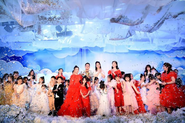 Hoa hậu Ngọc Hân - Lương Thanh chúc mừng NTK Hà Duy ra mắt BTS mới Ảnh 16