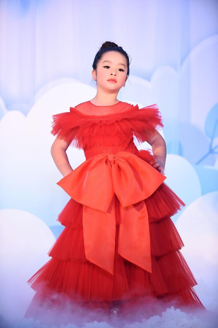 Hoa hậu Ngọc Hân - Lương Thanh chúc mừng NTK Hà Duy ra mắt BTS mới Ảnh 14