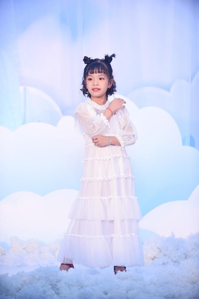Hoa hậu Ngọc Hân - Lương Thanh chúc mừng NTK Hà Duy ra mắt BTS mới Ảnh 12