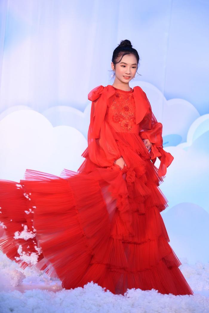 Hoa hậu Ngọc Hân - Lương Thanh chúc mừng NTK Hà Duy ra mắt BTS mới Ảnh 10