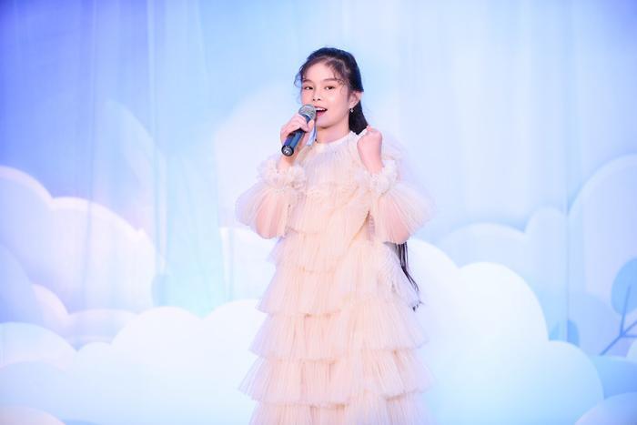 Hoa hậu Ngọc Hân - Lương Thanh chúc mừng NTK Hà Duy ra mắt BTS mới Ảnh 9