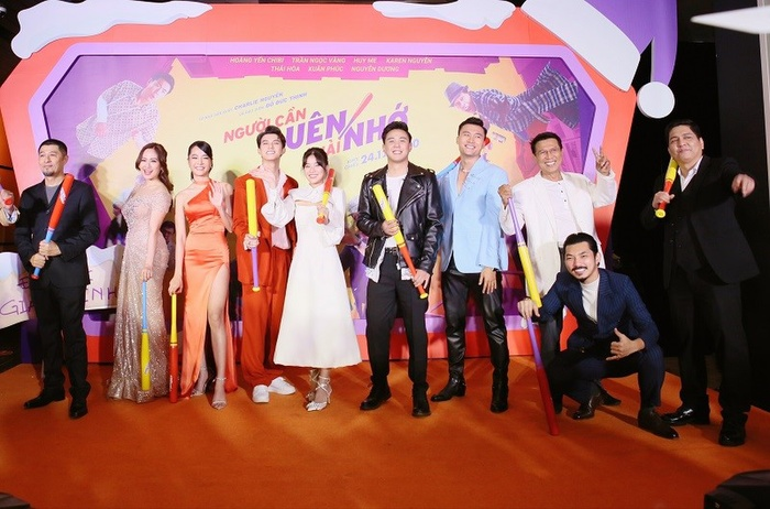 Cả showbiz dự ra mắt phim Người cần quên phải nhớ của Hoàng Yến Chibi : Cả Đường Băng, Ngạn và Hà Lan Ảnh 1