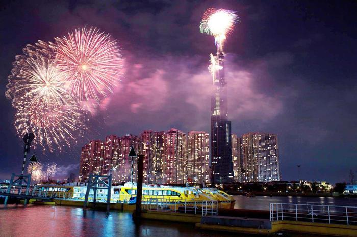 TP.HCM sẽ bắn pháo hoa tại 3 địa điểm dịp Tết Dương lịch 2021 Ảnh 1