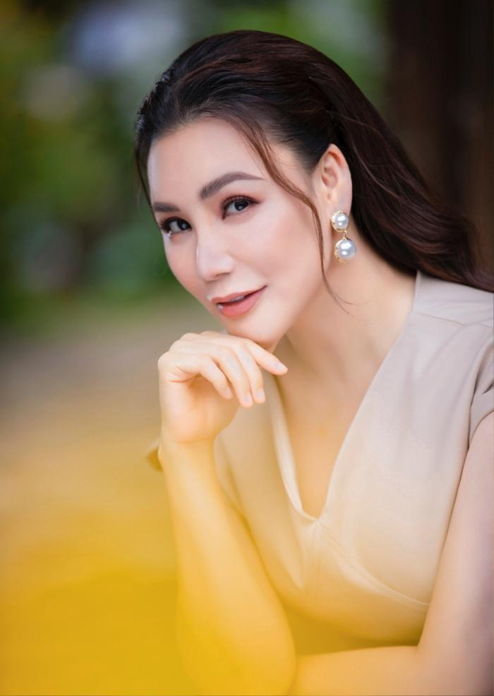 Sau thời gian dài bị chê thẩm mỹ hỏng, nhan sắc Hồ Quỳnh Hương bây giờ ra sao! Ảnh 9