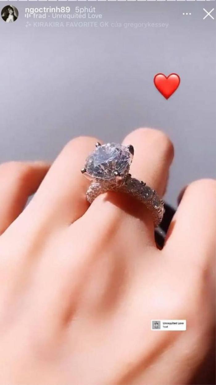 Ngọc Trinh khoe nhẫn kim cương khổng lồ được người yêu tặng, fan mới sáng đã ăn bánh gato Ảnh 4