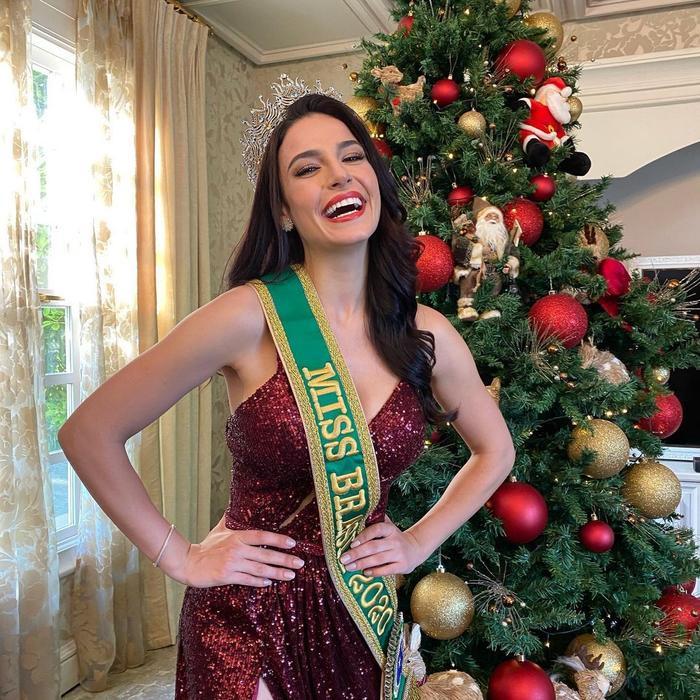 Đối thủ Khánh Vân bị nghi kéo cằm, gọt xương quai hàm, nhuộm da để chinh chiến Miss Universe 2020 Ảnh 12
