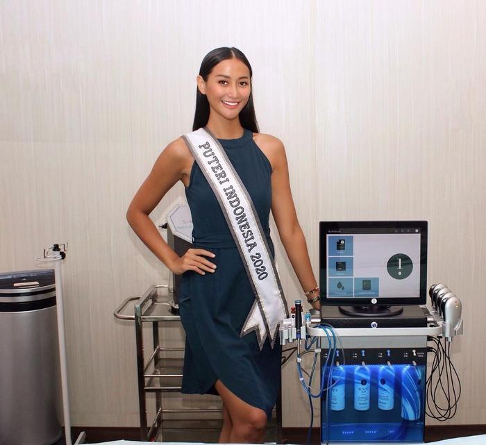 Đối thủ Khánh Vân bị nghi kéo cằm, gọt xương quai hàm, nhuộm da để chinh chiến Miss Universe 2020 Ảnh 9