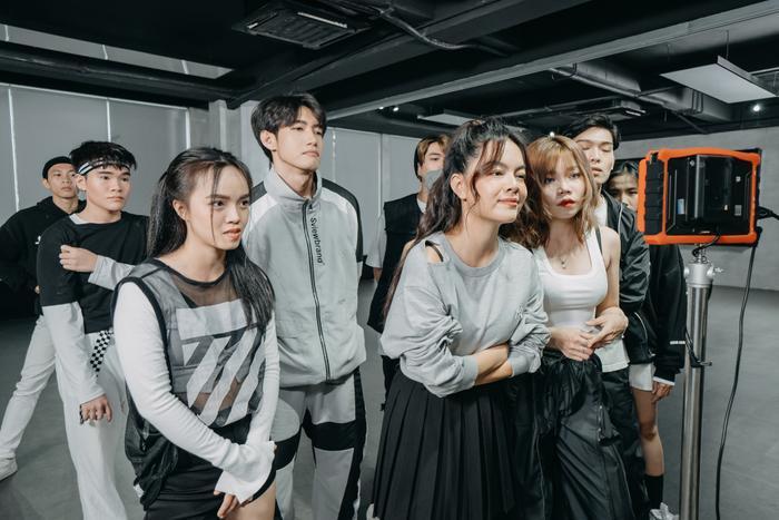 Quang Đăng kết hợp cùng Phạm Quỳnh Anh 'xuất xưởng' phiên bản siêu đáng yêu của 'Vì anh là gu chị'