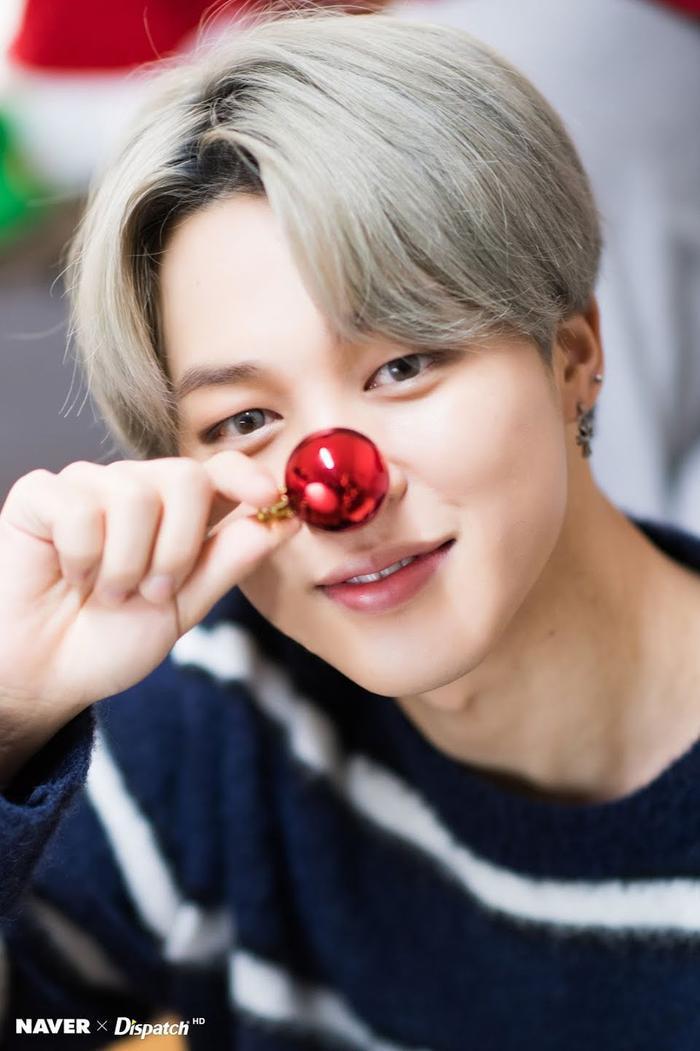 Jimin (BTS) tặng fan và gửi lời chúc Giáng sinh an lành Ảnh 1