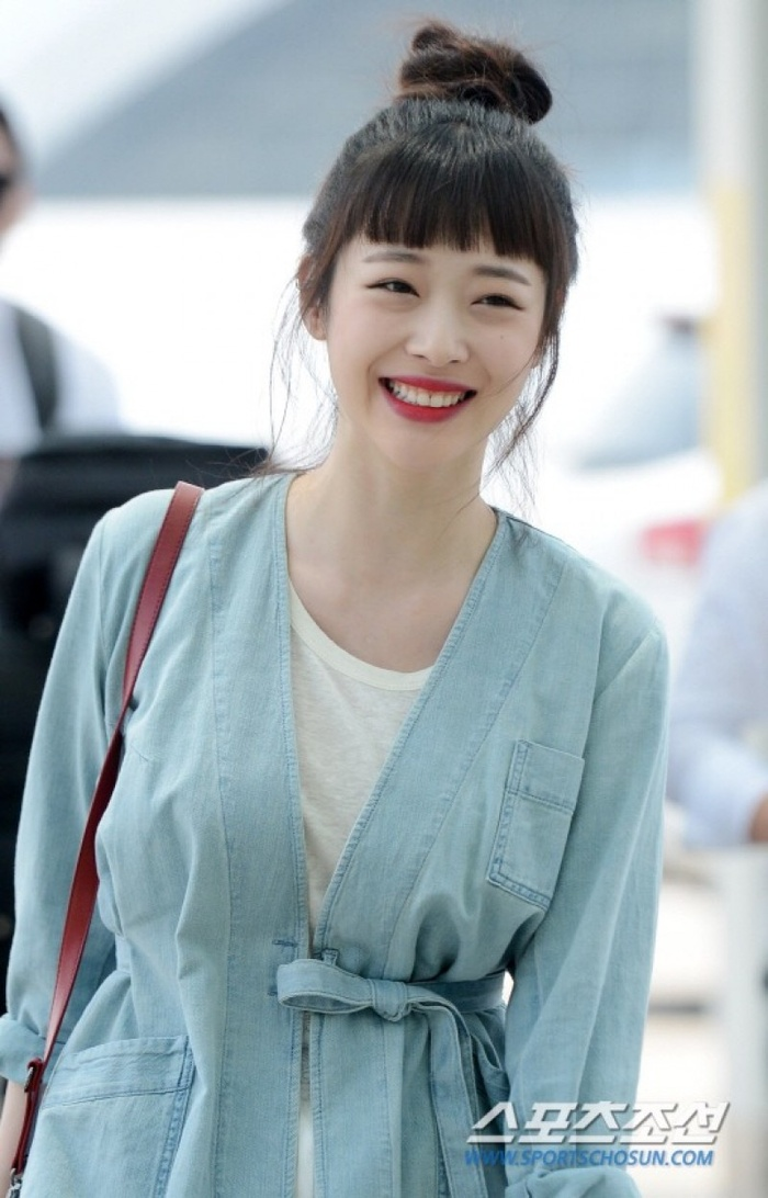 Song Hye Kyo khoe 'bạn nam' dịp Noel, Goo Hye Sun xuống tóc giống Sulli, Ahn Jae Hyun an yên bên mèo cưng Ảnh 9
