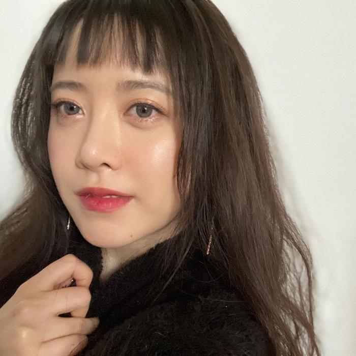 Song Hye Kyo khoe 'bạn nam' dịp Noel, Goo Hye Sun xuống tóc giống Sulli, Ahn Jae Hyun an yên bên mèo cưng Ảnh 5