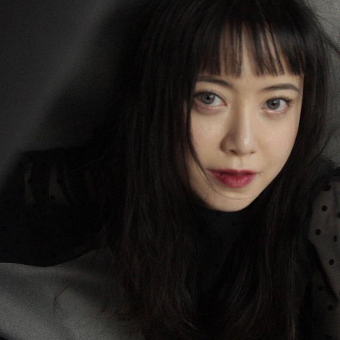 Song Hye Kyo khoe 'bạn nam' dịp Noel, Goo Hye Sun xuống tóc giống Sulli, Ahn Jae Hyun an yên bên mèo cưng Ảnh 7