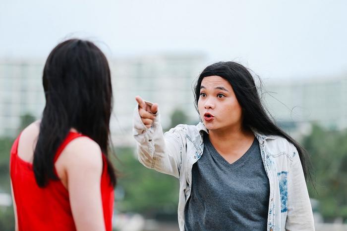 Tái xuất hình ảnh 'chị em cà khịa', Huỳnh Lập - Lê Nhân chưng diện sương sương ăn dài từ Noel tới Tết Ảnh 5