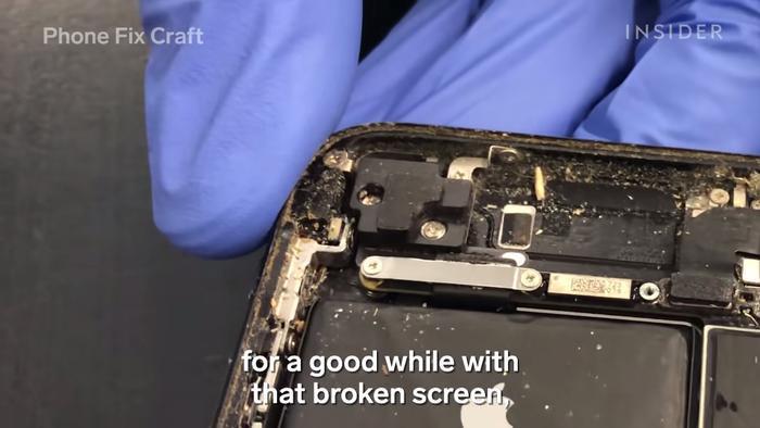 iPhone của bạn có thể bẩn như thế nào? Câu trả lời sẽ khiến bạn phát hãi