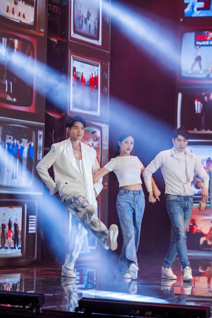 Quang Đăng, MIN, ERIK, Khắc Hưng nhận giải thưởng đặc biệt với 'Ghen Cô Vy' và 'vũ điệu rửa tay' Ảnh 4