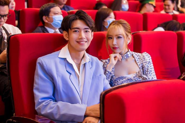 Quang Đăng, MIN, ERIK, Khắc Hưng nhận giải thưởng đặc biệt với 'Ghen Cô Vy' và 'vũ điệu rửa tay' Ảnh 1