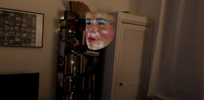 'Phòng chat quỷ ám': Cầu cơ online, rợn người với mặt người lơ lửng được chèn filter Ảnh 3