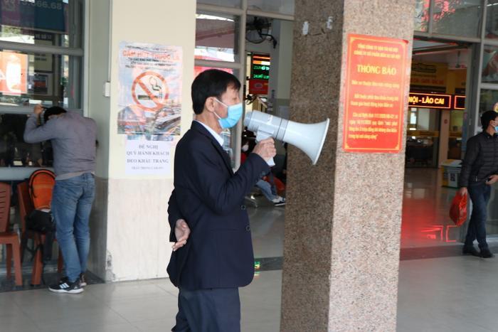 Nghỉ lễ tận 3 ngày, bến xe Hà Nội vẫn vắng khách về quê nghỉ Tết Dương lịch Ảnh 11