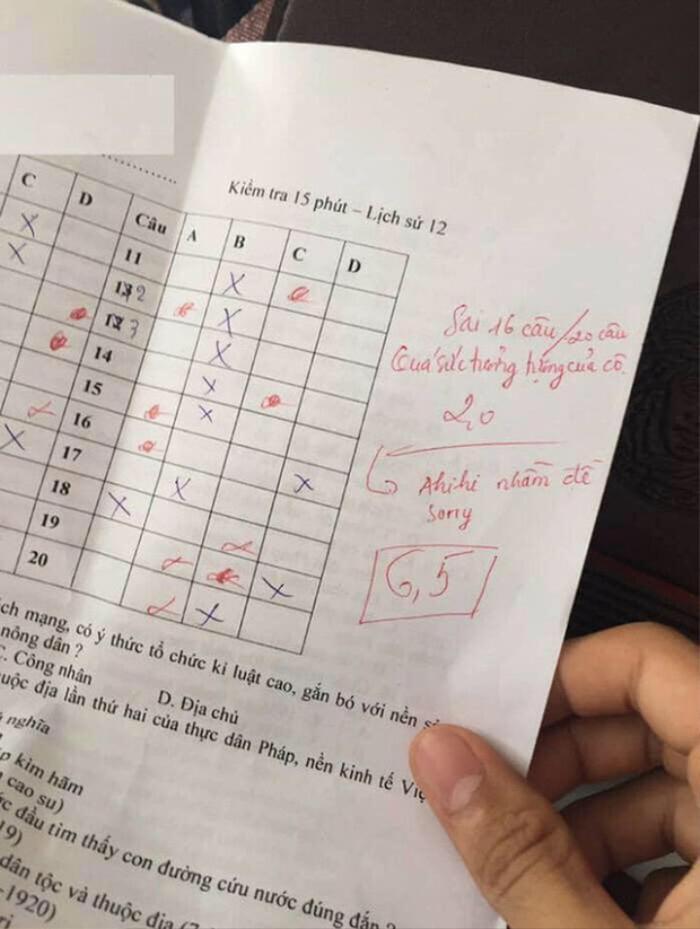 Chấm nhầm đề khiến học trò bị 'ăn' điểm 2, cô giáo vội sửa lại điểm rồi 'chữa cháy' bằng lời nhắn này Ảnh 1