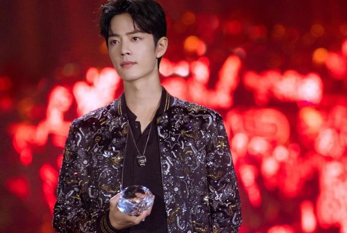 Tiêu Chiến đánh bại cả Châu Kiệt Luân khi có lượng album bán chạy nhất năm 2020 Ảnh 1