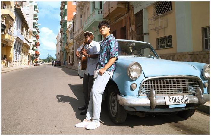Tiêu Chiến đánh bại cả Châu Kiệt Luân khi có lượng album bán chạy nhất năm 2020 Ảnh 7