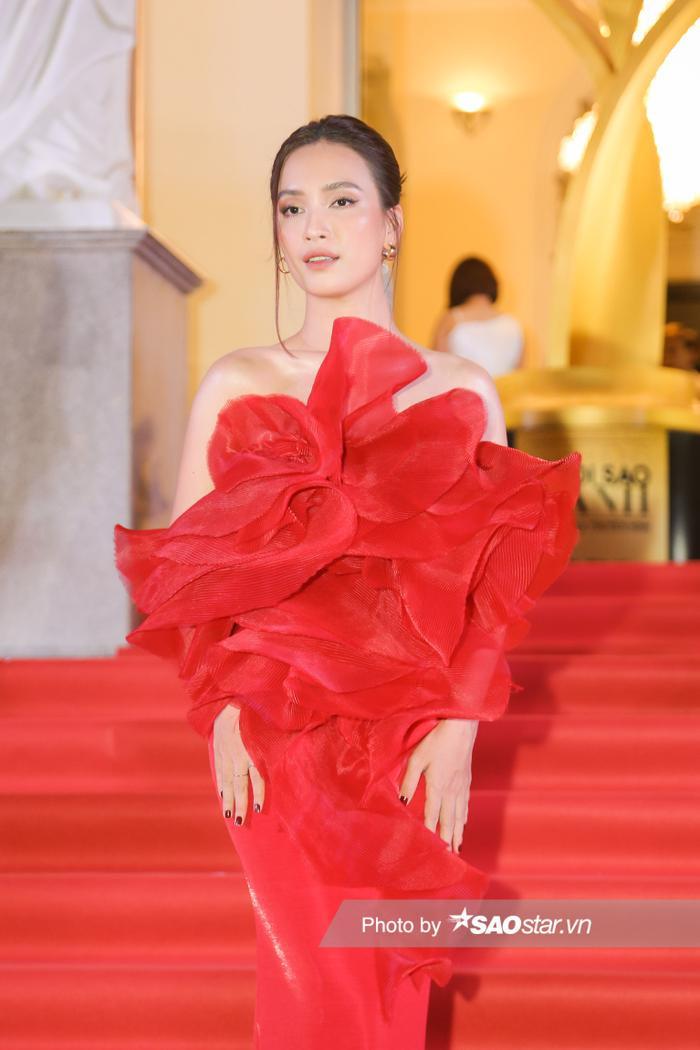 Thảm đỏ 'Ngôi sao xanh 2020': Chi Pu đọ sắc LONA cùng dàn Hoa hậu đẹp ngút ngàn của Việt Nam Ảnh 6